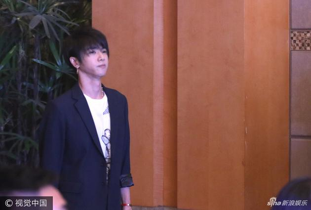 华晨宇:我没有偶像 偶像就是我自己