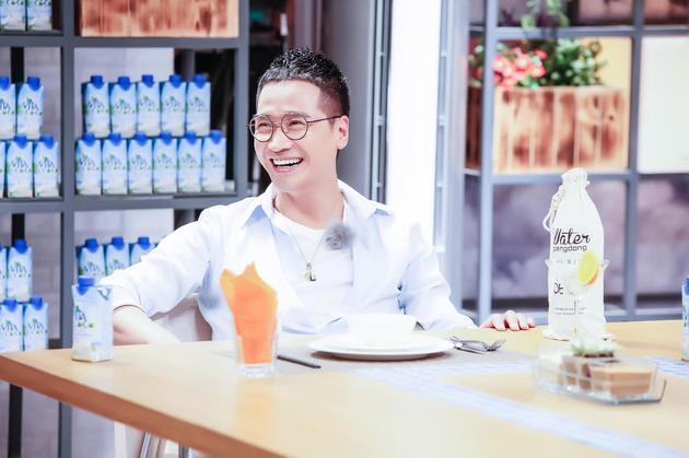 《谁是你的菜》田源制创意蛋挞 何晟铭自称老中医
