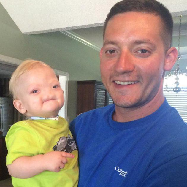 伊莱-汤普森和爸爸