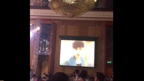 张艺兴为好友录制婚礼祝福 网友:你也赶紧的