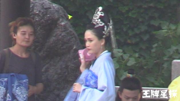 《独孤皇后》陈乔恩烈日着盛装 颦眉缓步端庄大气