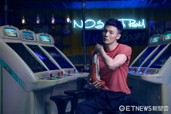 李荣浩将登金曲奖表演 坦言挑战很大已准备三个月