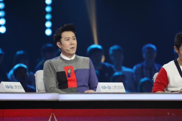 《出彩》上演哈萨克民歌 蔡国庆与65岁奶奶尬舞