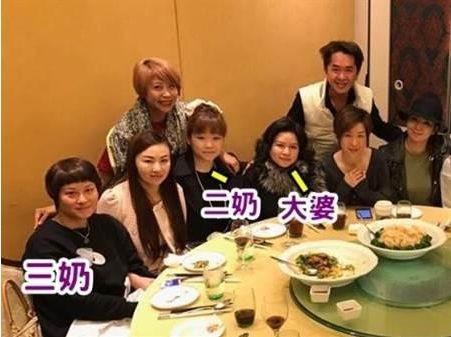 邓兆尊常带著3个女友一起吃饭