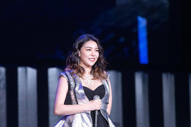 Ailee演唱会台湾举行 翻唱《小幸运》感动歌迷