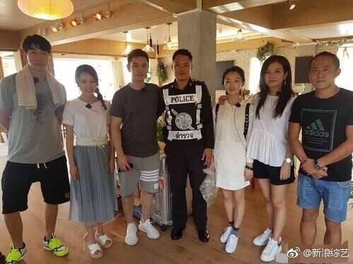 《中餐厅》阵容曝光 赵薇黄晓明周冬雨张亮开餐馆