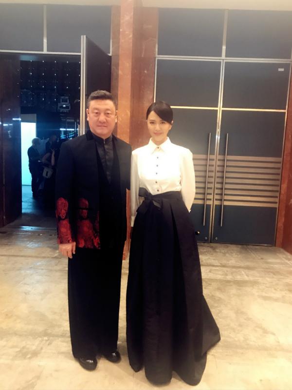 谭维维韩磊献唱 不忘初心 祝福香港回归20年