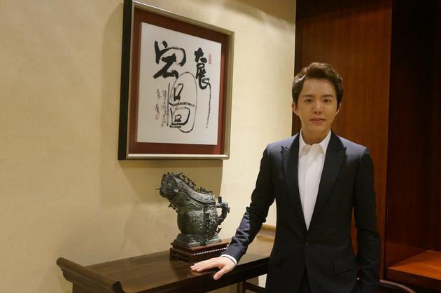 李云迪献奏香港回归20年晚会 传递不断奋进的心声