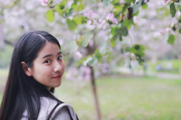 广州美少女李秋曈