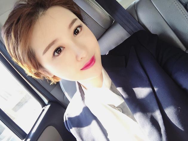 华裔女网红李加薇酷似高俊熙 私照曝光短发干练