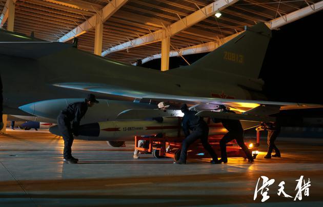 中国首部现代空战电影《空天猎》930震撼来袭