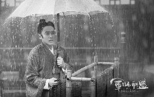 吴秀波饰演的司马懿不同阶段的妆扮都会随着身份与性格的变化而变化。