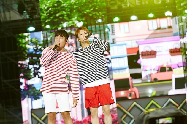 朴载正与NCT成员Mark
