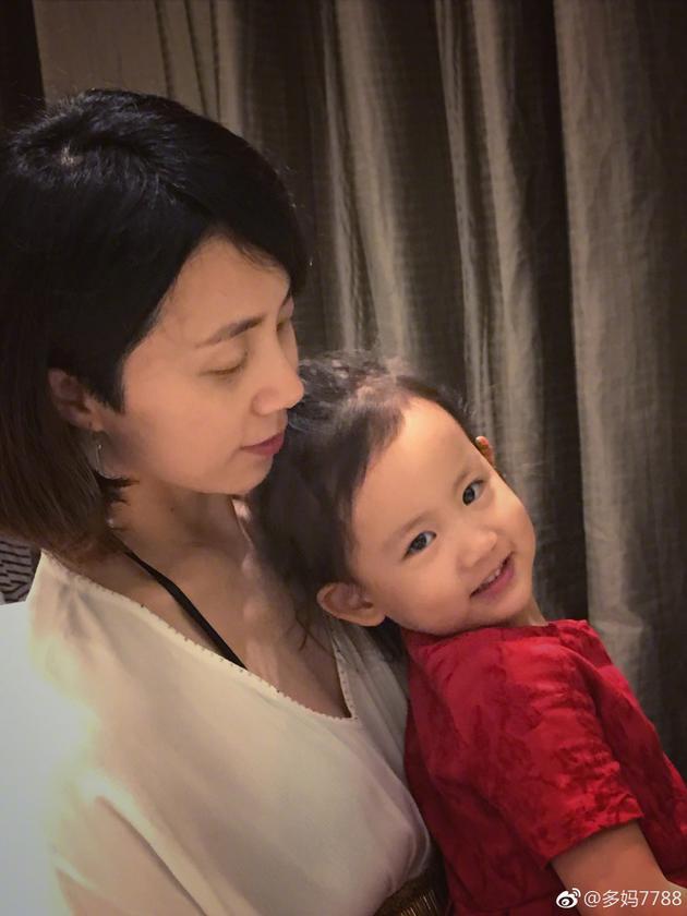 孙莉和女儿多妹