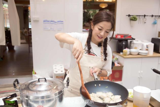 赵薇《中餐厅》做饭