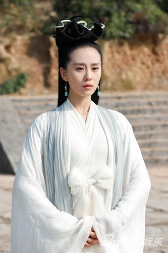 《醉玲珑》刘诗诗身轻如燕 演绎娇俏灵动圣巫女