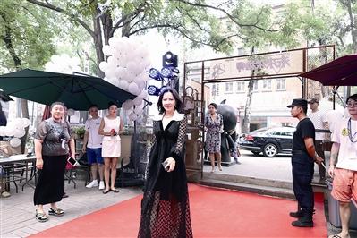 """《未来架构师》刘嘉玲""""跨界""""比做艺人辛苦"""