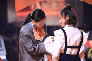 新歌声叶炫清唱火《从前慢》 越剧世家偏爱流行乐