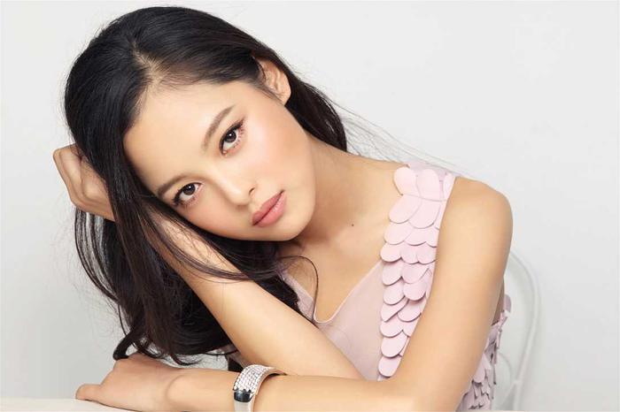 辛芷蕾,演员,曾任《笔仙2》《不可思异》《长江图》《女汉子进化论之幸福巧克力》等影视剧女一号。