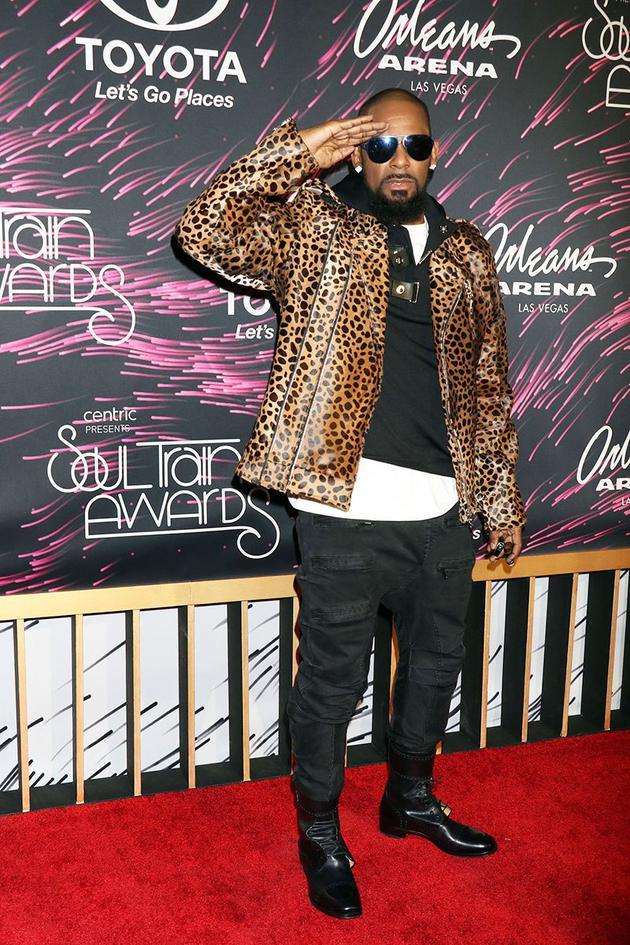 R&B歌手R.凯利被指拘禁多名女子 知情人为其辩解