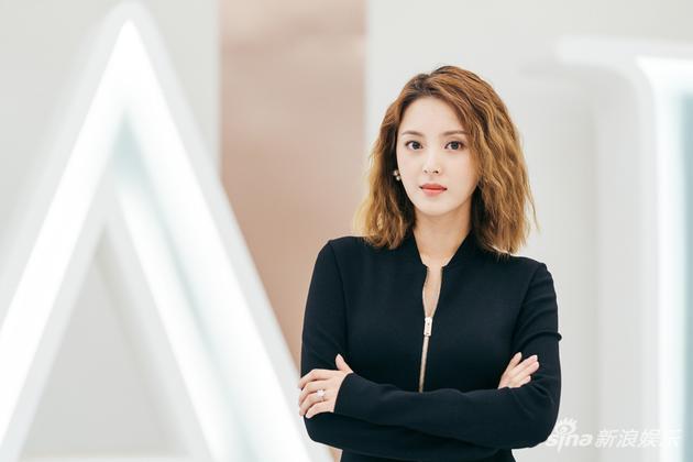 小刘佳演绎职场女性