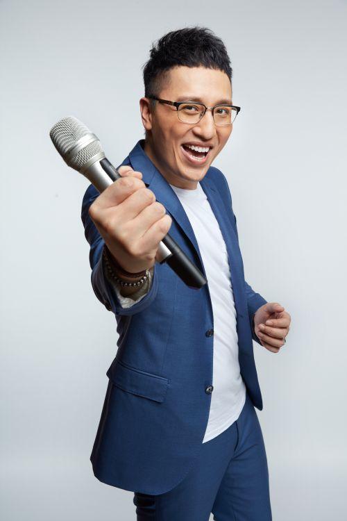 华少重回《中国新歌声》:不做和事佬 要做挑事的
