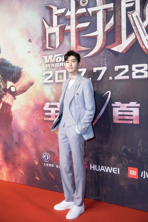 张翰《战狼2》转型硬汉 首映口碑获好评