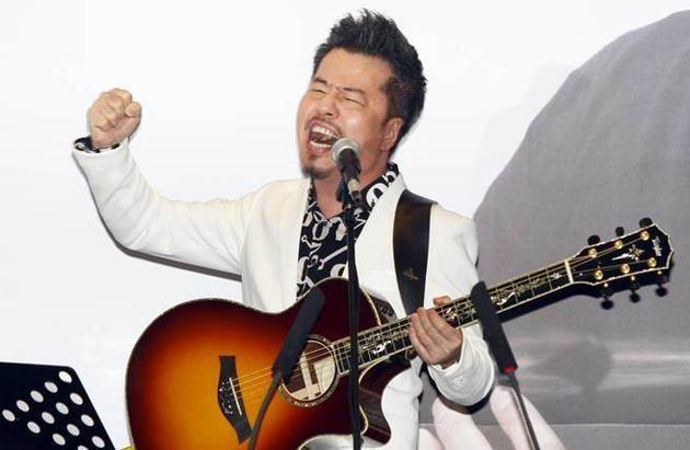 制作人黄国伦首次开唱就登鸟巢 引好友薛之谦惊叹