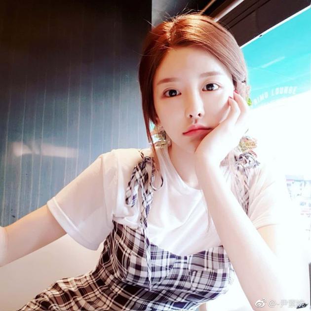 韩女主播尹素婉表示目前未签约 曾向王思聪讨薪