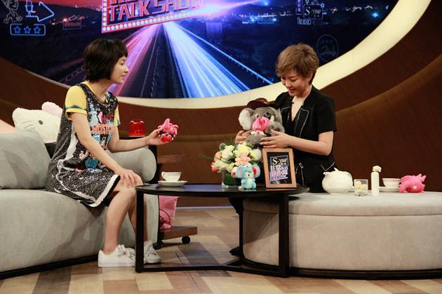 吴昕节目谈潘玮柏:他很单纯 感情上还是顺其自然
