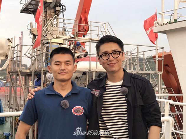 《加油》直播蛟龙号下潜 曝光巨型海参抓捕视频
