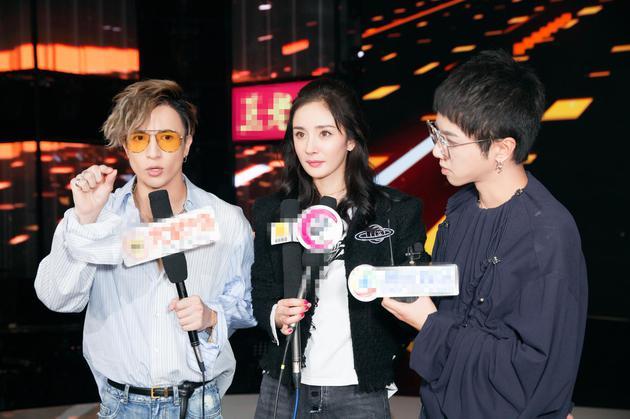 采访读负评记者被粉丝骂 杨幂:大家不要玻璃心