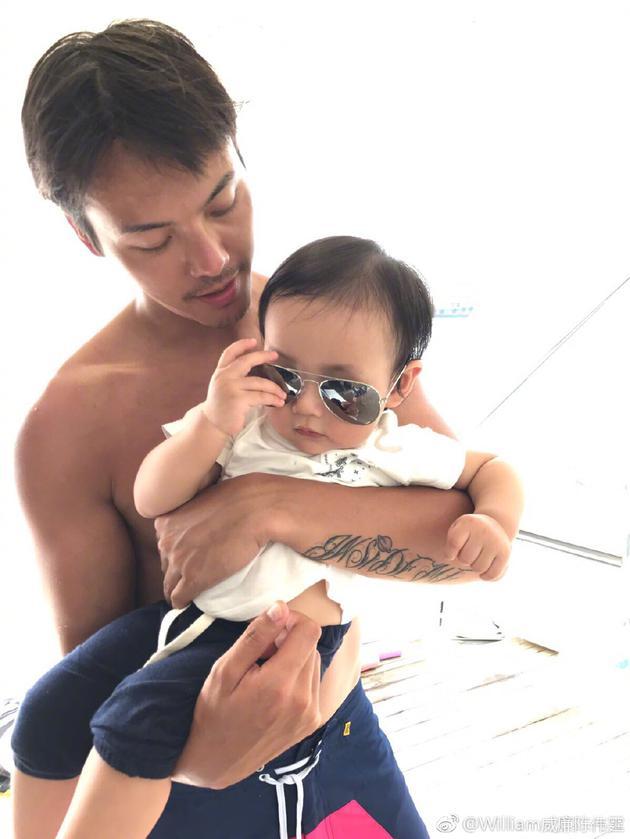 陈伟霆抱外甥女