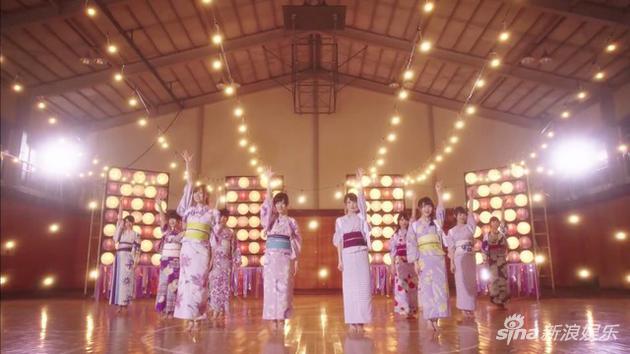乃木坂46成员穿浴衣跳舞