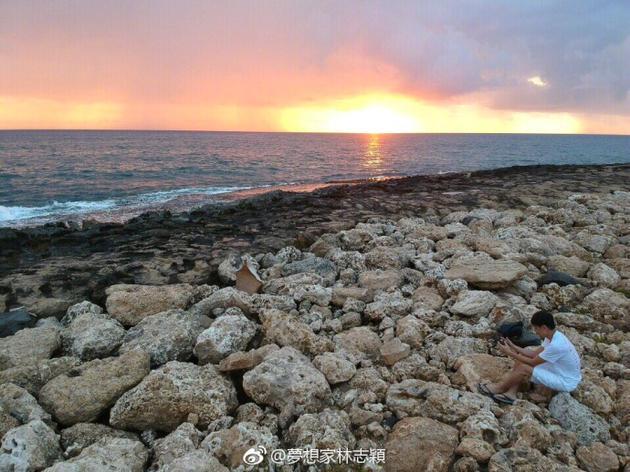 林志颖航拍海边夕阳