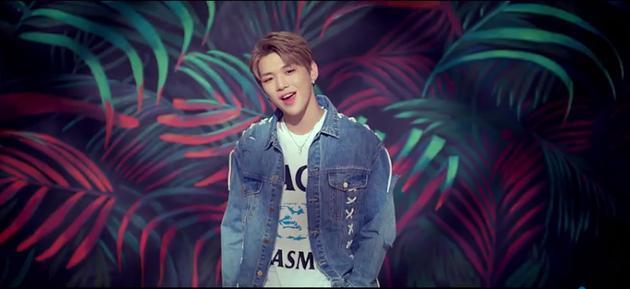 Wanna One新曲MV惹争议 姜丹尼尔镜头少粉丝不满