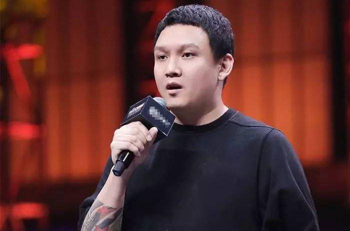 车澈,2006年毕业于上海戏剧学院戏剧文学系,曾担任《 盖世英雄》《蒙面唱将猜猜猜》等多个节目总导演,2017年担任《中国有嘻哈》节目总导演。(资料图片)