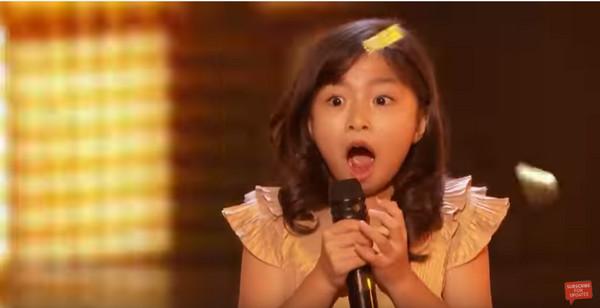 《美国达人秀》9岁华人小歌手6年赚4千万