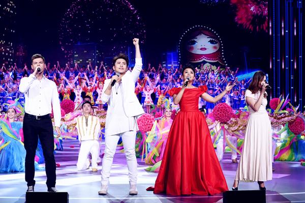 中俄艺术家交流周在京开幕 阿鲁阿卓助阵领唱