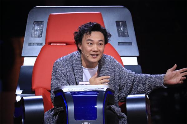 《中国新歌声》陈奕迅逆袭 深藏不露留后手