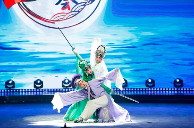 《中国戏曲大会》口碑获赞 普及戏曲文化任重道远