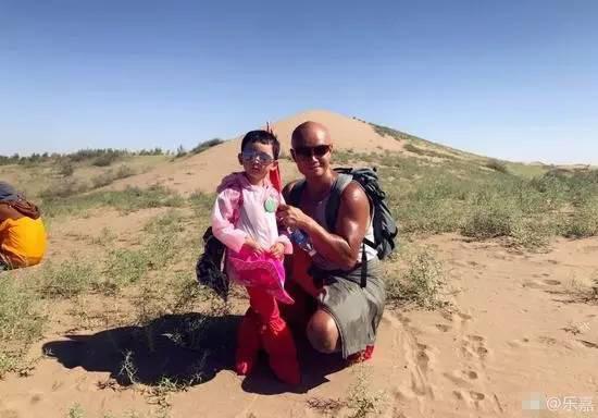 锻炼还是折磨?乐嘉带4岁半女儿徒步76公里