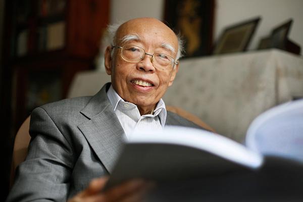 作曲家朱践耳去世享年95岁
