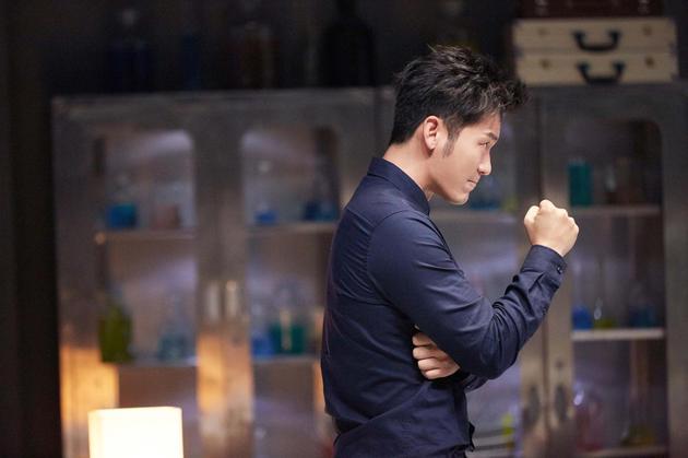 《开心剧乐部》李晨遭遇语言难题 与肖央装病过关