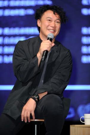 """陈奕迅谈金曲奖称""""应该不用再拿了吧"""""""
