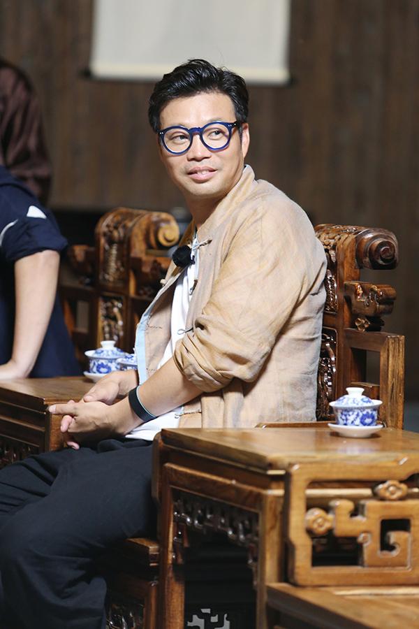 """《极挑》上演金条大战 王迅勤劳致富""""笑果""""足"""