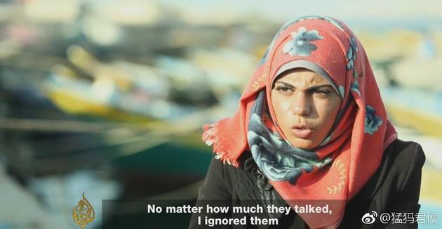 加沙30年来首放电影 男女一同观看