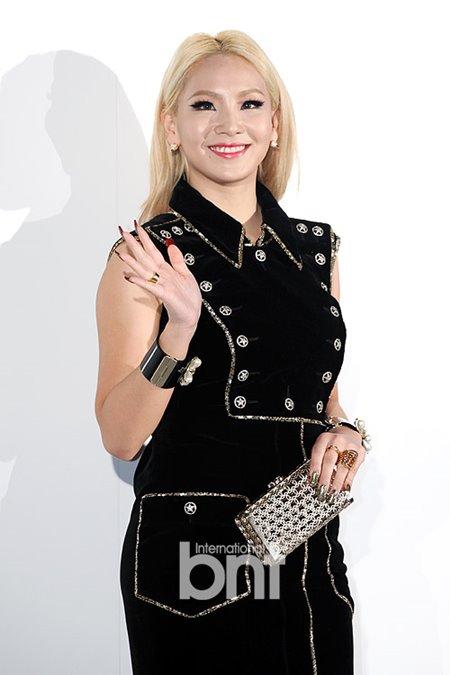 CL发长文表达2NE1解散后心情:让我完全崩溃了