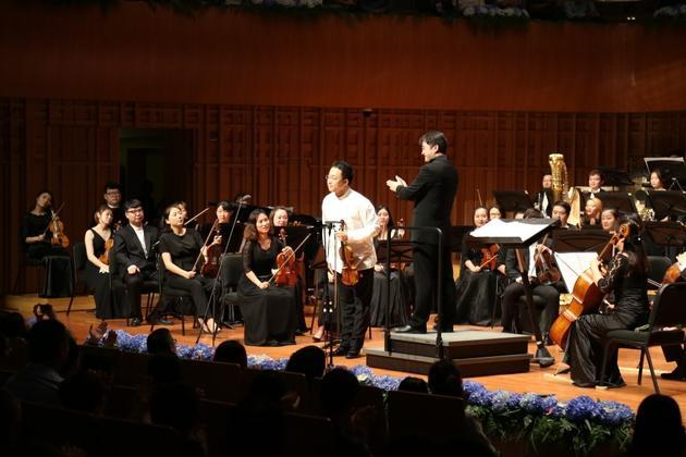 杨晓宇闪耀诗歌交响音乐会