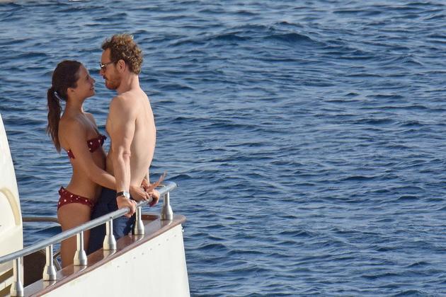 7月份两人在伊比萨度假